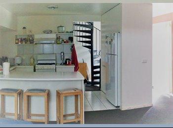 EasyRoommate AU - Fully furnished room with internet, Preston - $180 pw