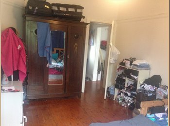 EasyRoommate AU - One bedroom available in the very nice house, Waverley - $240 pw