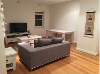 EasyRoommate AU - ROOM AVAILABLE IN MANLY BEACH HOUSE, Balgo - $370 pw