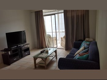 EasyRoommate AU - Beach front apartment in Surfers Paradise, Southport - $195 pw