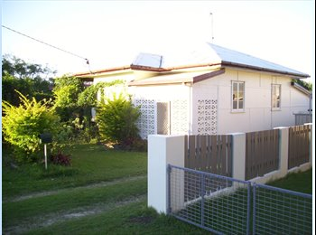 EasyRoommate AU - Room in Quiet friendly house, Landsborough - $145 pw
