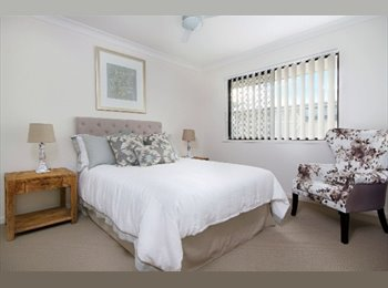 EasyRoommate AU - Furnished ensuite room air-con in a near new townhouse, Jindalee - $145 pw