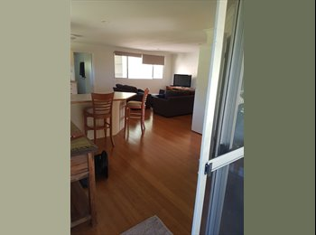 EasyRoommate AU - Room for rent with large attached loungeroom, Bilambil Heights - $170 pw
