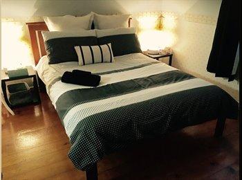 EasyRoommate AU - My Humble Abode, Newstead - $250 pw