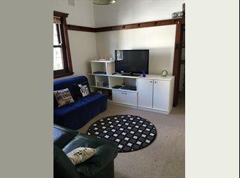 EasyRoommate AU - Couple room in Bondi, Waverley - $225 pw