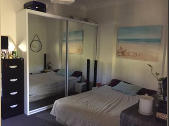 EasyRoommate AU - Short term, spacious master room , Darlington - $320 pw