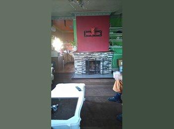 EasyRoommate AU - Fully furnished house , Welshpool - $120 pw