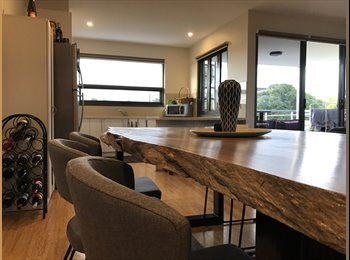 EasyRoommate AU - Fully Furnished Unit in the Heidelberg College Zone , Ivanhoe - $500 pw