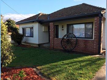 EasyRoommate AU - Rooms for Rent, Kangaroo Flat - $160 pw