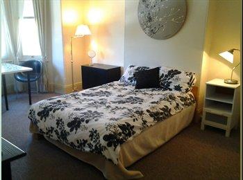EasyRoommate AU - Single Room , Camperdown - $270 pw