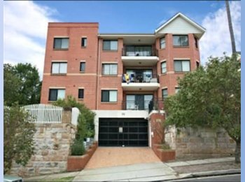 EasyRoommate AU - Room for rent with own bathroom, Kingsford - $330 pw