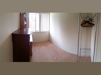 EasyRoommate AU - 2 Rooms for Rent, Hamilton - $180 pw
