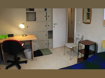 Appartager BE - BRUSSELS  Comfortable furnished room in a large house, Auderghem-Oudergem - 495 € pm