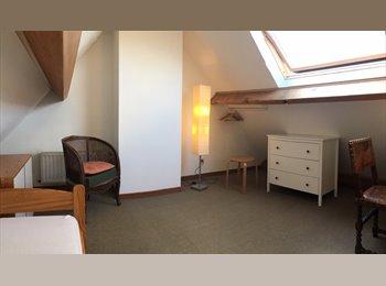 Appartager BE - Chambre dans un duplex, Wezembeek-Oppem - 350 € pm