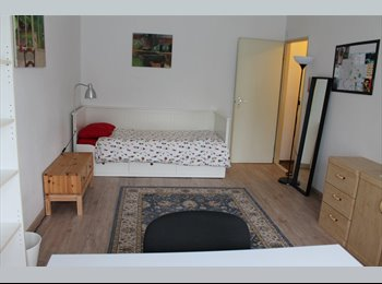 Appartager BE - Chambre pour stagiaire  (F), Woluwe Saint Lambert - Sint Lambrechts Woluwe - 440 € pm