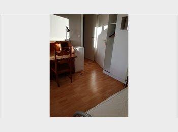 Appartager BE - Chambre étudiant meublée avec balcon, Auderghem-Oudergem - 465 € pm