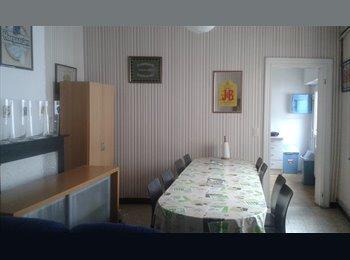 Appartager BE - Chambre proximité de la place, Mons - 330 € pm