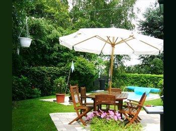Appartager BE - jolis studios meublés à louer , jardin ,piscine, Wezembeek-Oppem - 645 € pm