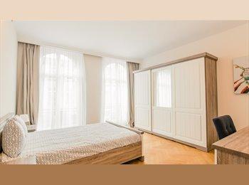 Appartager BE - studio dans une grande maison de caractère , Auderghem-Oudergem - 450 € pm