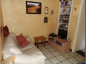 Appartager BE -  chambre meublée à louer  juillet/août, Mons - 300 € pm