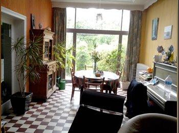 Appartager BE - Grande chambre dans maison confortable, Tournai - 300 € pm