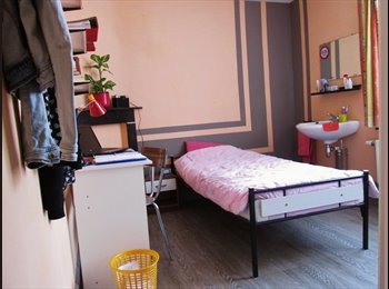 Appartager BE - Agréable petite chambre meublée en colocation avec jardin dans quartier calme du centre de Tournai, Tournai - 210 € pm