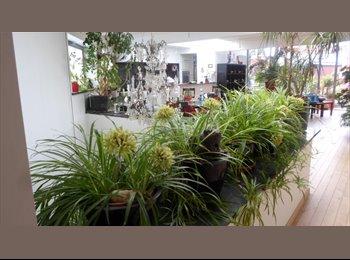 Appartager BE - Un véritable petit studio dans un splendide  loft ... Idéal pour un couple, Uccle-Ukkel - 560 € pm
