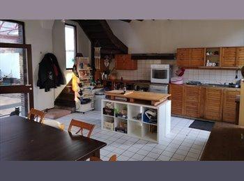 Appartager BE - Colocation : reste une chambre avec salle de bain privative, Mons - 560 € pm
