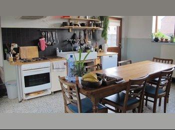 Appartager BE - 2 chambres à louer en colocation dans une charmante maison avec jardin, Jurbise - 400 € pm