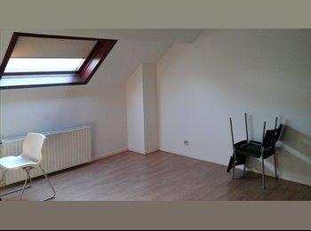 Appartager BE - Colocation dans maison pres de la gare 2 grandes pieces, Waterloo - 500 € pm