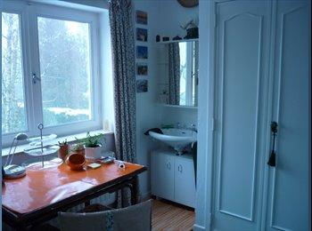 Appartager BE - Chambre dans un clos calme, jardin, parking, Waterloo - 600 € pm