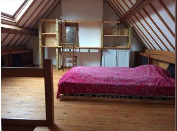 Appartager BE - Chambre à louer dans jolie maison du logis avec un enfant, Watermael Boitsfort - Watermaal Bosvoorde - 450 € pm