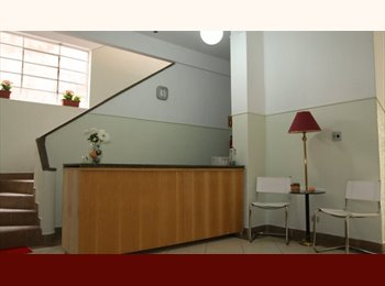 EasyQuarto BR -  - QUARTOS - SUITES - CURITIBA CENTRO - PENSIONATO - FAST FLAT, Curitiba - R$ 580 Por mês