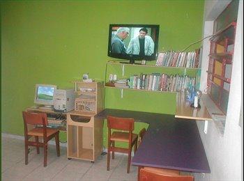EasyQuarto BR - Hostel Pousada - Metrô Saúde WI-FI coz. Máq. TV, Saúde - R$ 300 Por mês