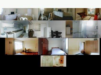 EasyQuarto BR - Alugo quartos em apartamento, em frente ao Colégio Energia, Florianópolis - R$ 1.200 Por mês