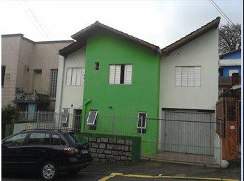 EasyQuarto BR - quartos individuais para homens, Florianópolis - R$ 390 Por mês