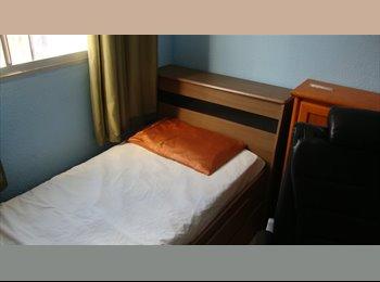 EasyQuarto BR - quarto ou vaga, Lapa - R$ 700 Por mês