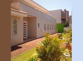 EasyQuarto BR - Residência Universitária, Londrina - R$ 1.700 Por mês