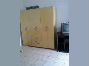 EasyQuarto BR - alugo quartos e 2comodos imobilhado, Maringá - R$ 350 Por mês