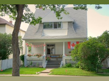EasyRoommate CA - Great shared Student House, Edmonton - $530 pcm