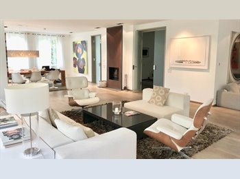 EasyWG CH - Available Sept. 1st: Great Middle Bedroom In Luxury Villa, Zürich - 1750 CHF / Mois