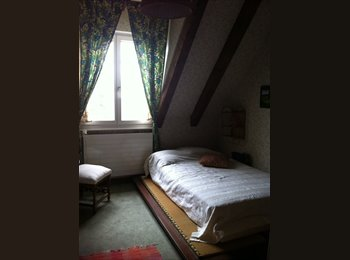 EasyWG CH - Chambre meublée à Yens, Morges - 500 CHF / Mois