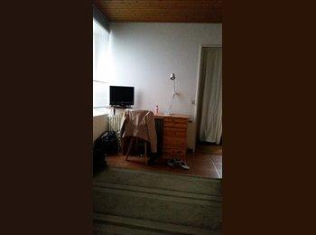 EasyWG CH - Studio meublé gratuit à Morrens pour fille, Lausanne - 100 CHF / Mois