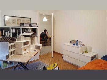 EasyWG CH - Chambre en plein cetre du FRIBOURG disponible dès 1.7.2017 , Fribourg - 490 CHF / Mois