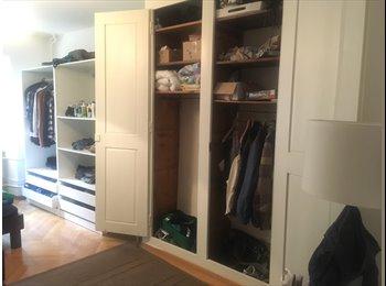 EasyWG CH - Möbliertes Zimmer in geräumiger Wohnung, Fribourg - 500 CHF / Mois