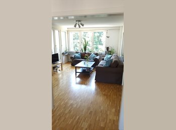 EasyWG CH - Nice room in Kreis 10, ideal for commuters, females preferred, Zürich - 660 CHF / Mois