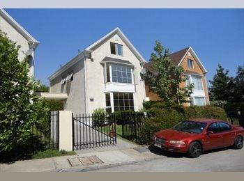 CompartoDepto CL - Habitación en Barrio Residencial La Dehesa, Lo Barnechea - CH$ 300.000 por mes