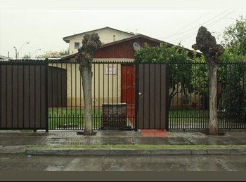 CompartoDepto CL - Acogedora habitacion disponible, Los Condes - CH$ 210.000 por mes