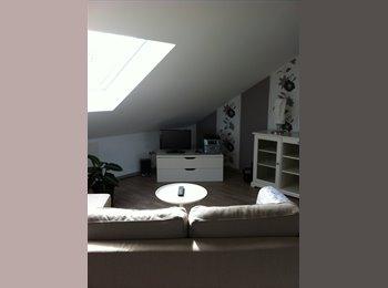 EasyWG DE - Nähe Flughafen Wohnung über den Dächern von Rüsselsheim, Frankfurt - 770 € pm
