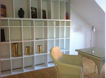 EasyWG DE - Superschöne helle möbilierte Wohnung im Centrum, München - 1.000 € pm